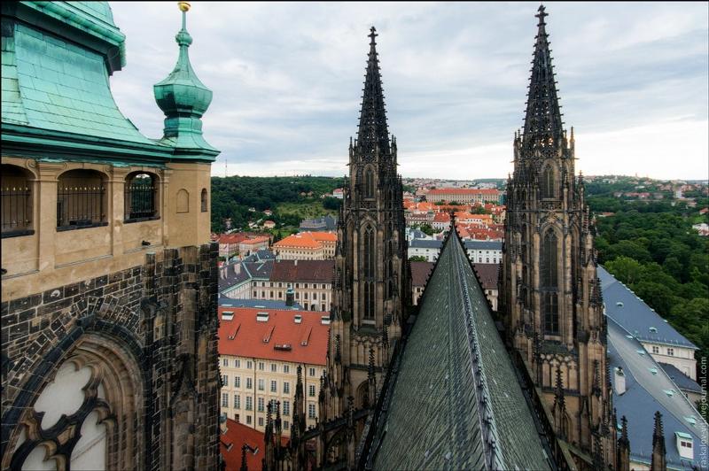 Russians Secretely Climbed On Top of European Most Popular Landmarks