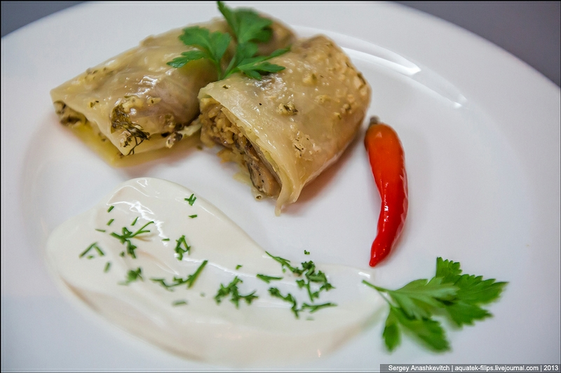 Cabbage Rolls With White Mushrooms