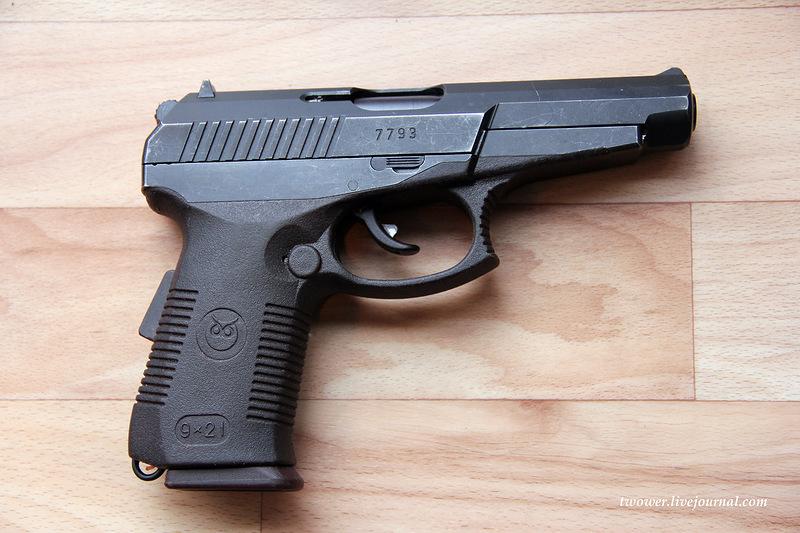 Handguns Exhibition 13