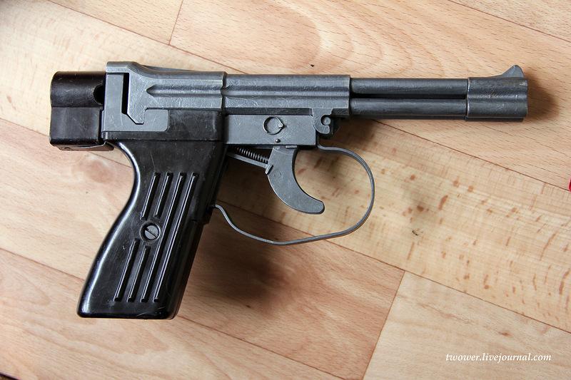 Handguns Exhibition 15