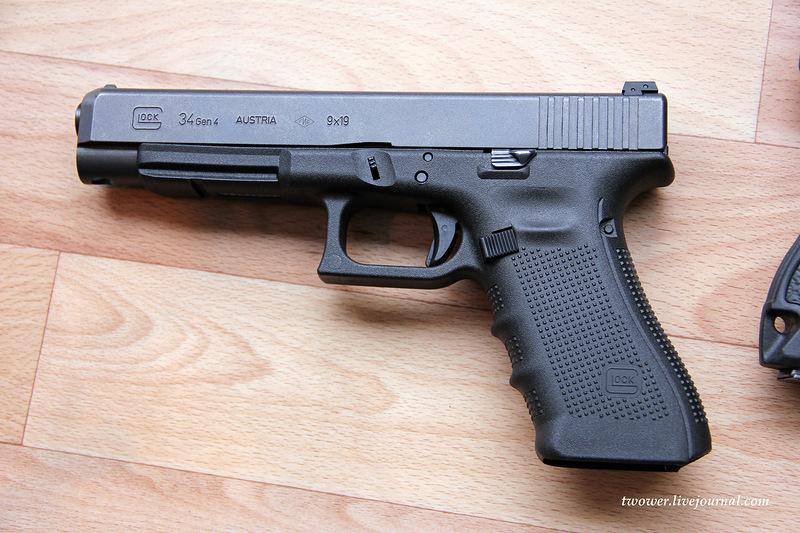Handguns Exhibition 8