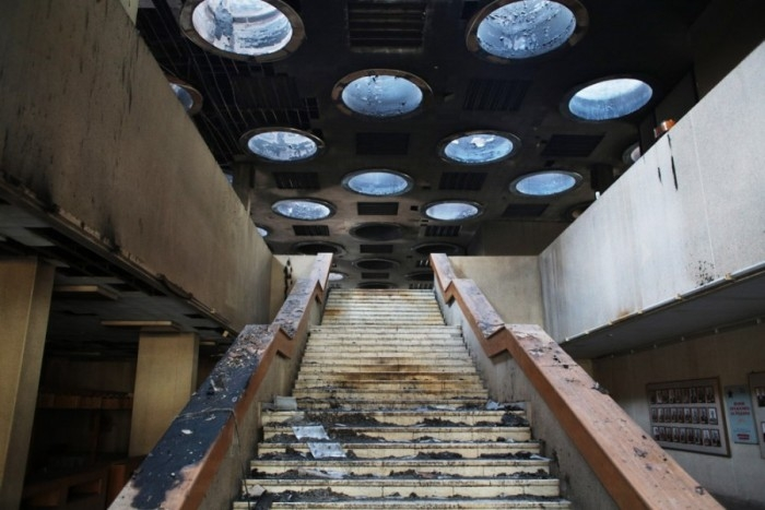 Back to the Moscow Scientific Library Destroyed by the Fire