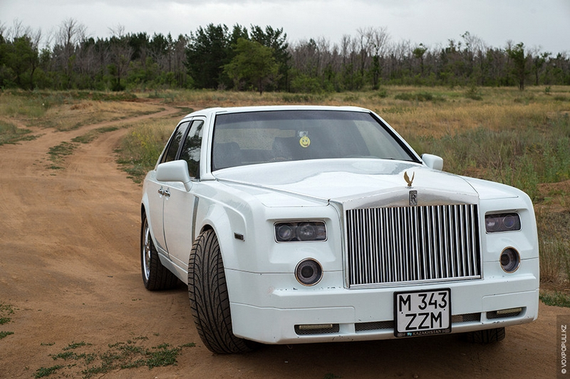 Guy Has Turned His Old Mercedes Into Luxury Rolls Royce Phantom [16 photos]