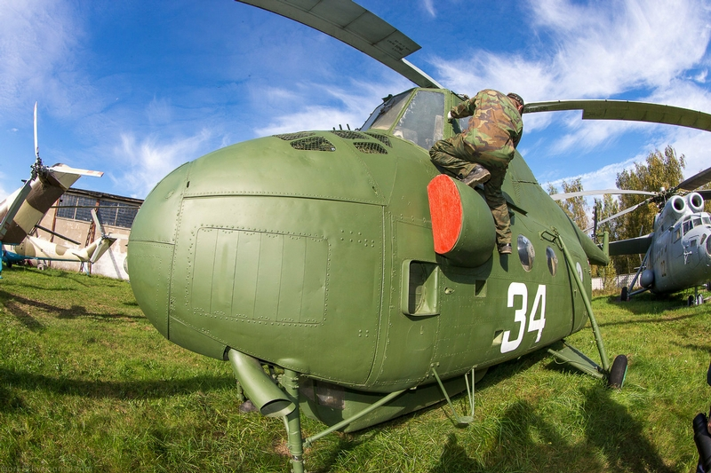 Helicopter Mi 4