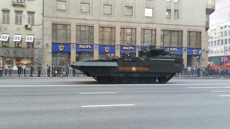 Russian Tanks on Parade [39 photos]