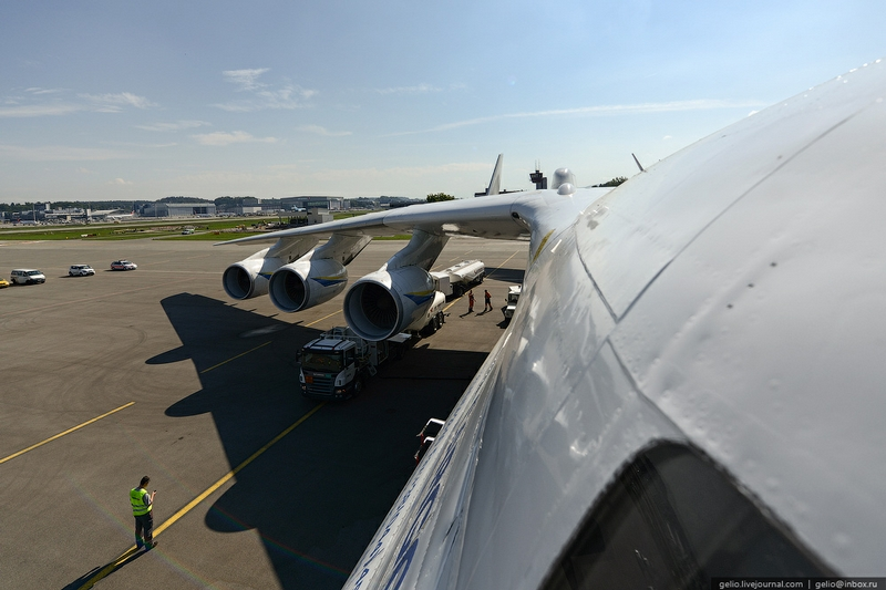 How Does the Largest Plane Work: Facts and Story About AN 255