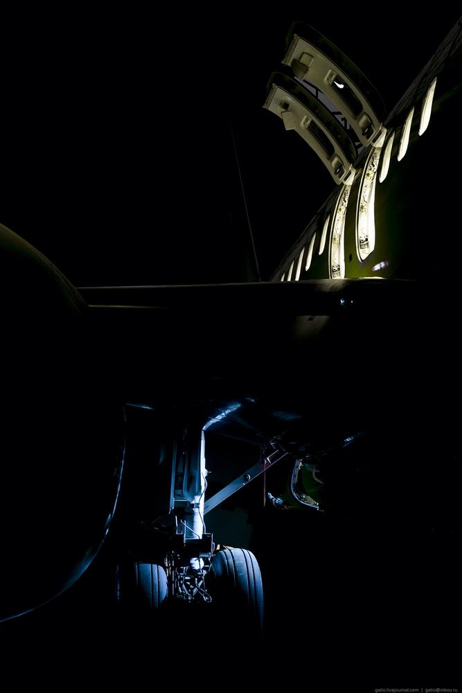 Night Visit to the Biggest Aircraft Repair Hangar