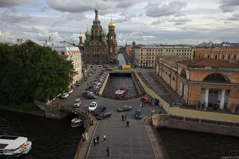 High On Roofs of Saint Petersburg