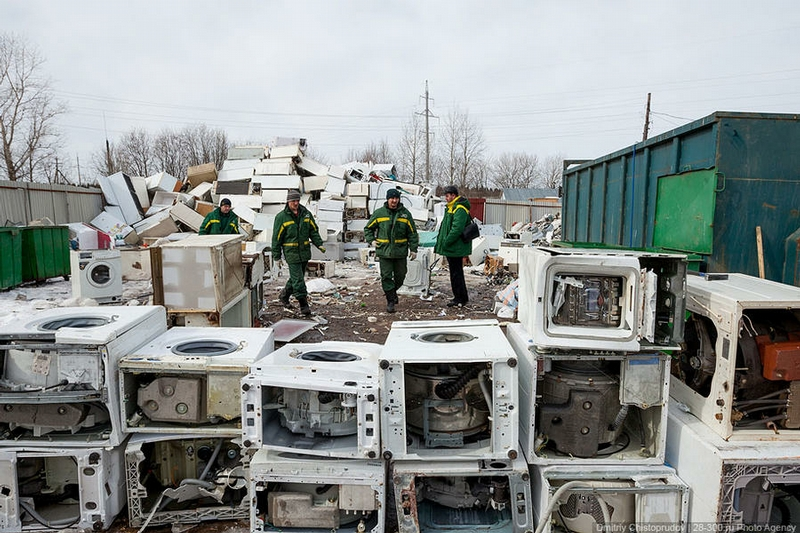 Disposal of Old Stuff In Russia