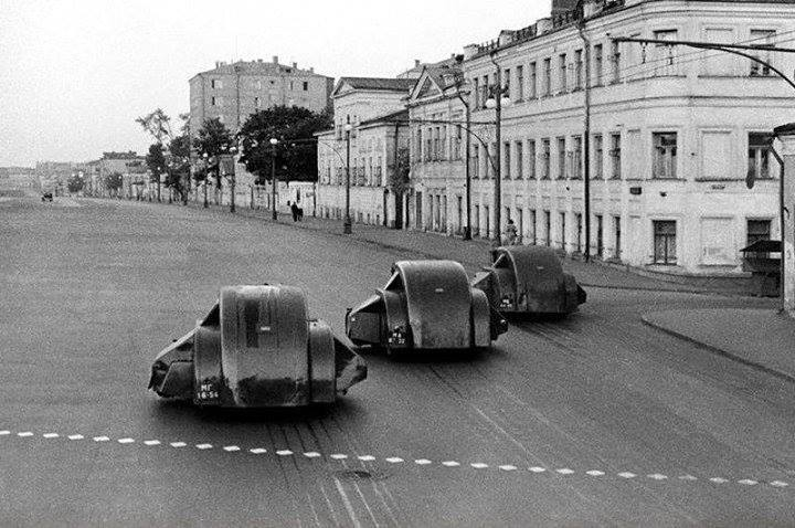 Retrofuturism On Moscow Streets In 1938