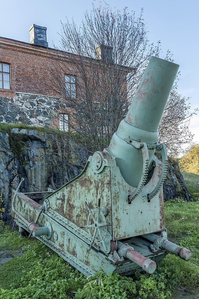 Russian Guns On the Finnish Land
