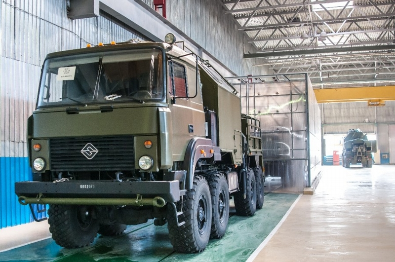 Making Special Vehicles For the Russian Armed Forces