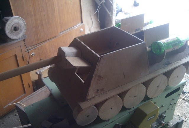 Cool Bday Present: SU 100 Tank Destroyer Cat House