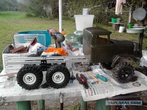 ZiL 131 Truck: Tiny Replica