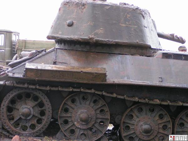 russian tank recovered from the lake 2