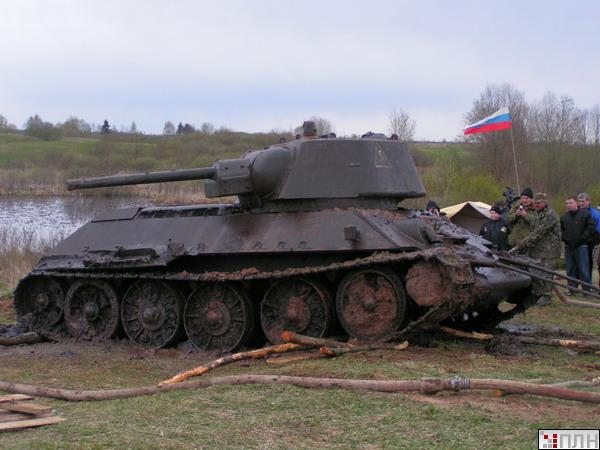 russian tank recovered from the lake 4