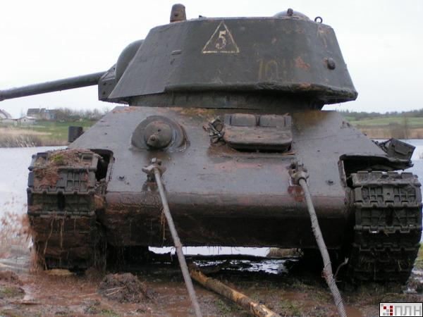 russian tank recovered from the lake 6