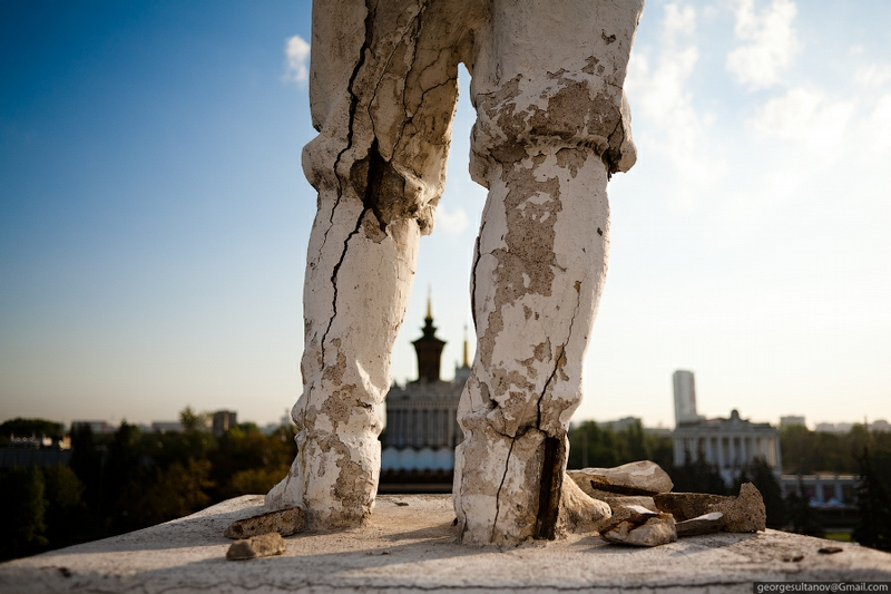 Dilapidated Monuments Of the Moscow VVC