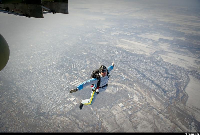 Kazakh Parachute Jumpers