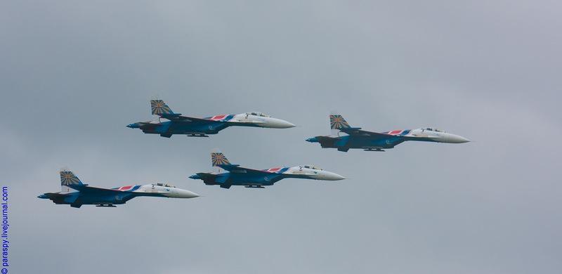 http://media.englishrussia.com/112012/aerobaticteams2/aerobaticteams002-46.jpg