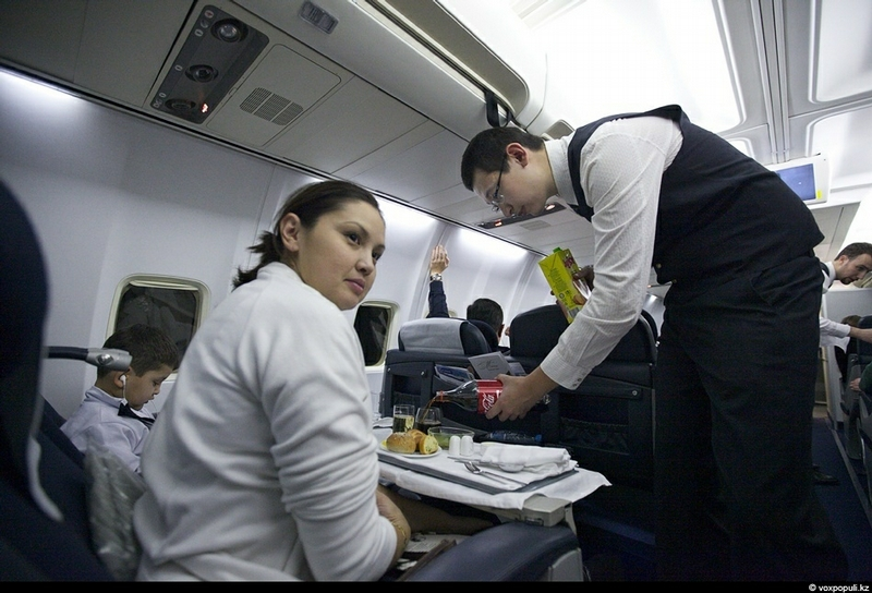 How To Make A Career Of A Flight Attendant