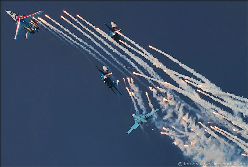 Russian Aerobatic Team Performs In China