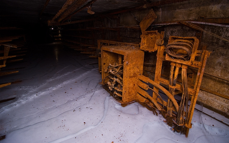 Rust And Ice: Abandoned Cable Gallery