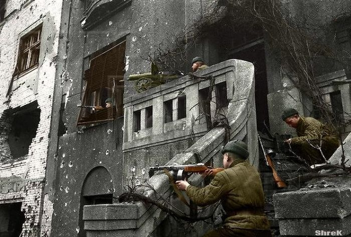 Color Photos of Soviet Soldiers During WWII