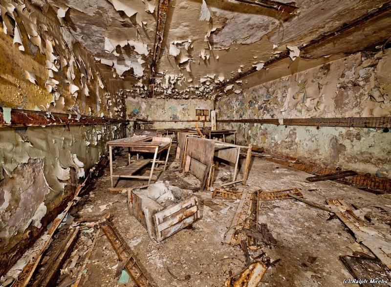 commcenter001 25 Abandoned Communication Center