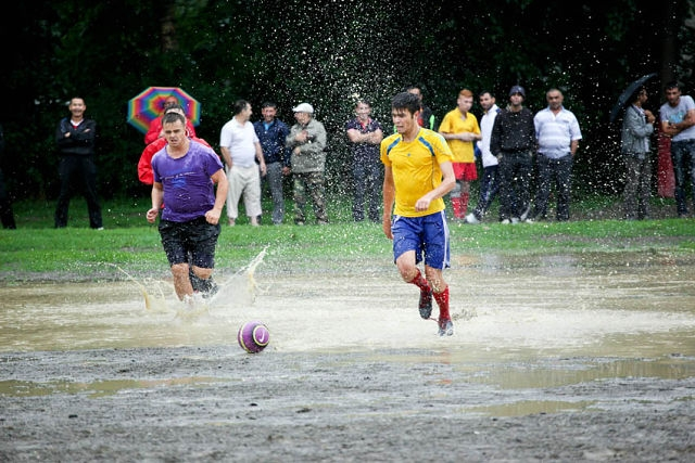 Dirty Dirty Football