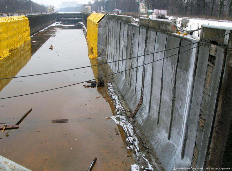 Repair Works Of The Moscow Canal Lock Chambers