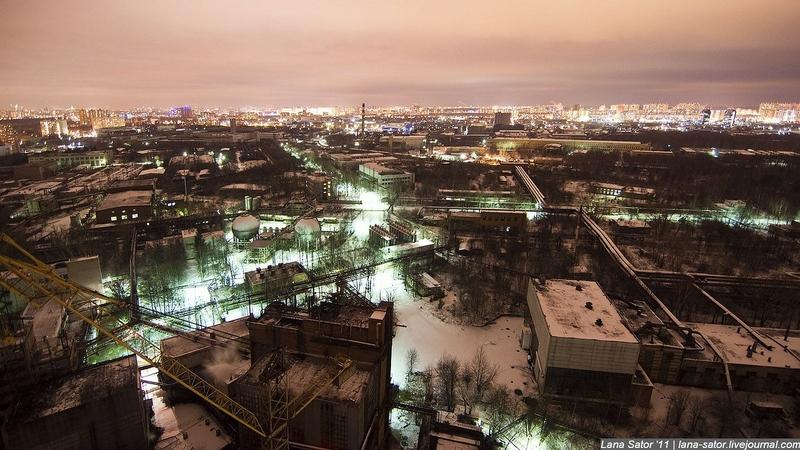 Блоггеры проникли на секретный завод (93 фото) .
