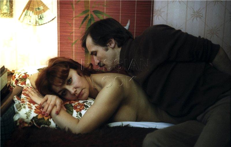 Голая Елена Яковлева в кино