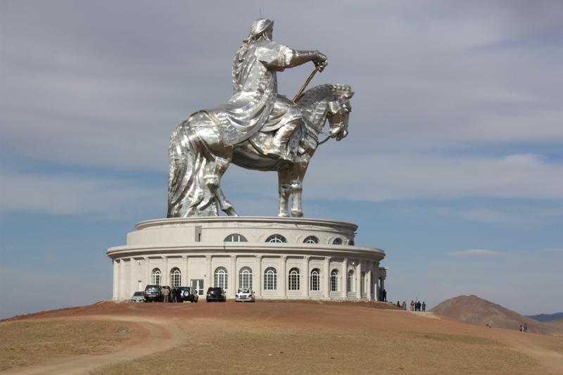 Giant Steppe Observer