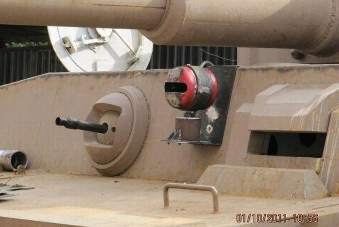 اصلاح الدبابات والمدرعات  - صفحة 2 Handmadetank-64