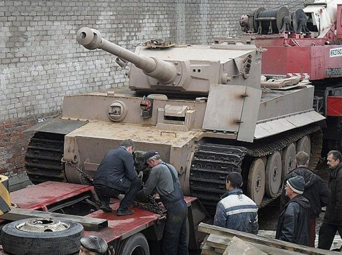 اصلاح الدبابات والمدرعات  - صفحة 2 Handmadetank-66