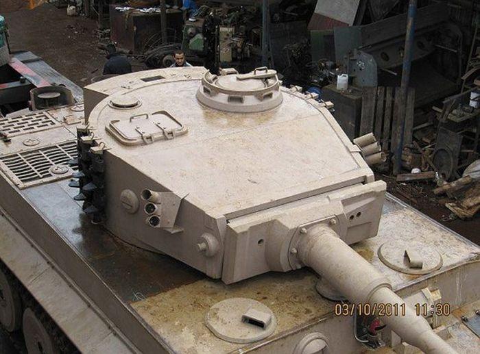 اصلاح الدبابات والمدرعات  - صفحة 2 Handmadetank-73