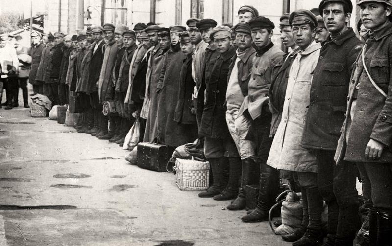 Russia In The Dark: 1921-1923