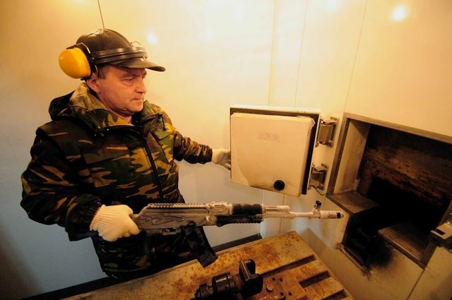 How Kalashnikov Guns Are Made
