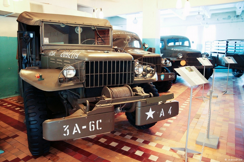 Soviet Cars That Were Modern Once, Part 2