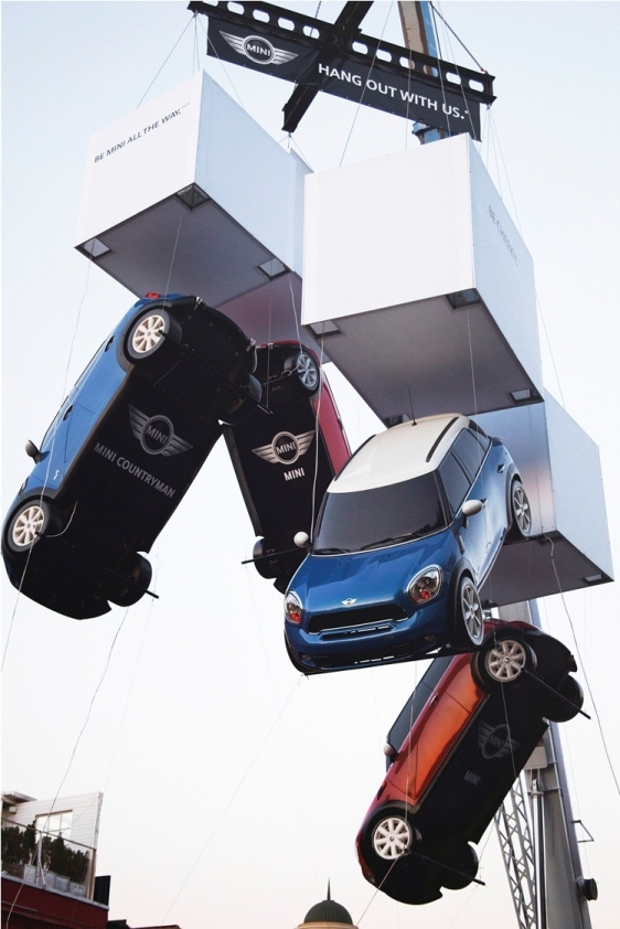 Hanging Cars In Moscow