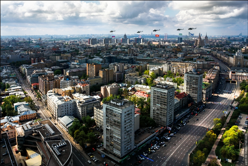Over Moscow With a Camera