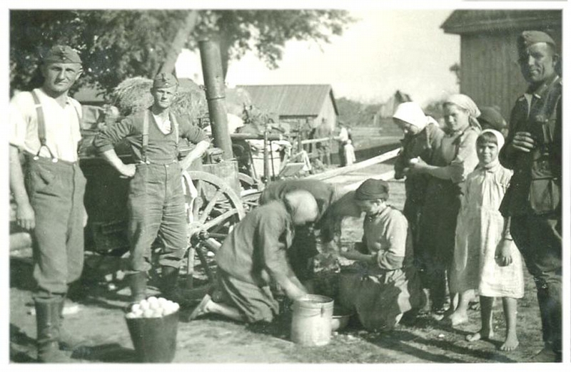 Life In Occupation on German Photos