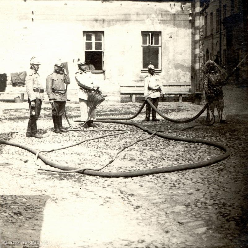 Moscow Firemen In Old Pictures