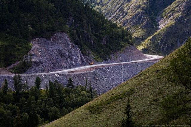 Untruthfully Smooth Roads Of Altay