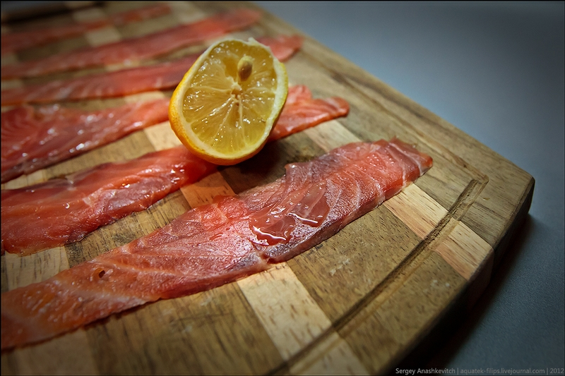 Salmon And Caviar Snack: Perfect With Vodka!