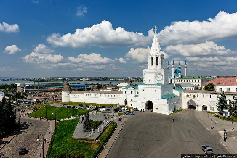 Flying Over the Kremlin