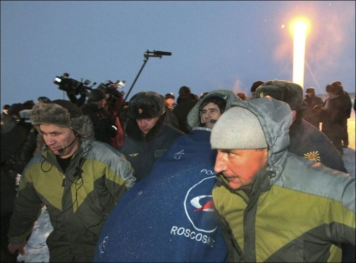 The Crew of Soyuz TMA-05M Is Back On Earth