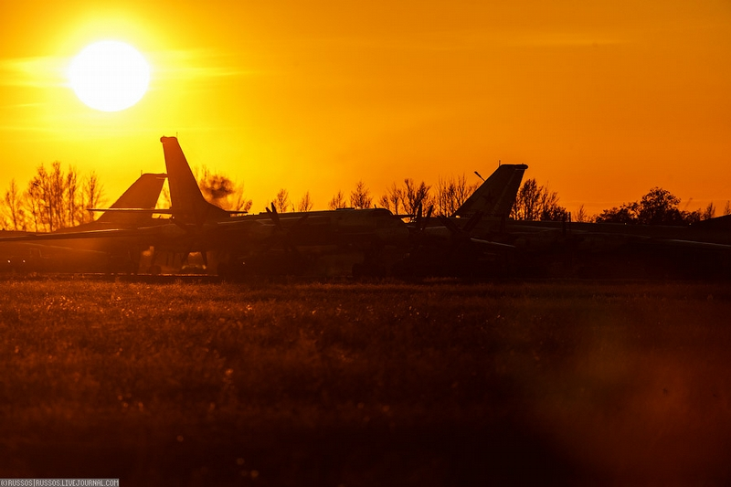 Day And Night Photos Of An Air Base