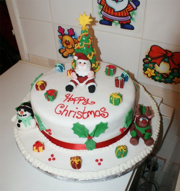 The Yummiest Looking Christmas Cakes